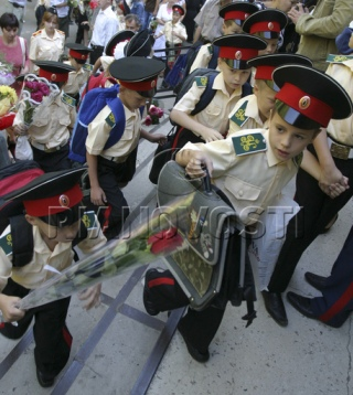 cadetes rusos en el primer día de la academia Emperador Nicolás Segundo, Rostov-na-Donu, Russia, 2008. (C) Sergey Venyavsky, STR.